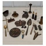 Box miscellaneous collectibles including New York