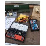 Group of tools Snap-on kv tester, dial indicator,