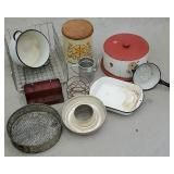 Box of miscellaneous tin kitchenware including