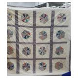 Dresden plate pattern quilt - large