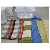 Basket 5 blankets incl plaid auto blanket with