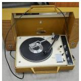 Retro GE stereo Wildcat turntable