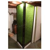 Retro Green Dressing Screen