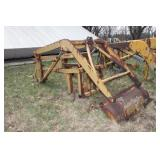 Loader arms w/ hydraulic cylinders