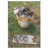 Fence connectors - 5 gallon pail full