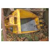 Backhoe 15.5: trenching bucket with 4 teeth