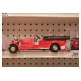 Fire trucks (2pcs)