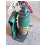 Jade 1 1/2 Ton Bottle Jack