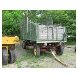 silage wagon w/ hydraulic dump bed