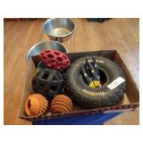 pet supplies - feed storage container & toys