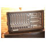 Peavey XR684F amplifier