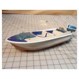 Toy boat w/ twin outboard motors