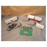 Lionel 4pcs - Milk car, Semi carrier & cable spool