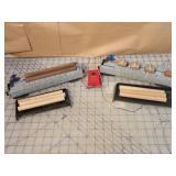 Lionel 3pcs - Barrel loaders & accessories