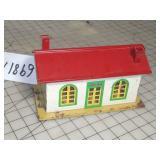"""Lionel #137 Tin Train Station """"LionelTown"""""""