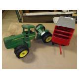 Ertl JD Articulate Parts Tractor & Chop Wagon