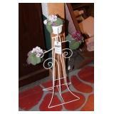 White Metal Flower Pot Holder