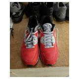 Size 12 Nike air Max shoes