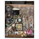 Box of misc Knickknacks/candle