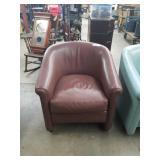 Brn leather chair