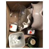 Box of misc pottery/mugs