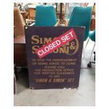 Simon and Simon closed set sign