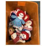 Tub of raggedy Ann and Andy dolls
