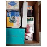 Box of miscellaneous  Bo potable tv