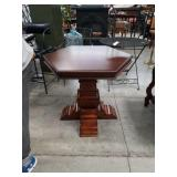 Octagon lamp table
