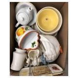 Box of misc kitchen