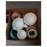 Box of mixing bowls