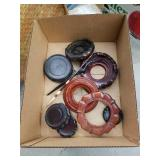 Box of Asian vase wood stands