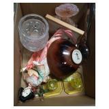 Box of miscellaneous lalique vase,vaseline glass