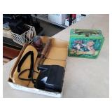 Box of miscellaneous vintage lunch box etc