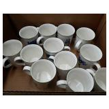 Box of villeroy & Boch cups