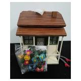 Wizard of oz dollhouse approx 13in x 13in x 11in