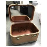 Vintage Luggage/Makeup Case