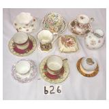 approx. 15 pcs. of porcelain cups and saucers and