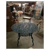 Round metal patio table