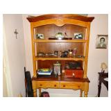 Pine hutch top w/ drawed table