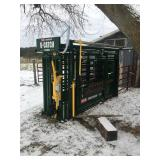 nearly new cattle working chute