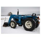 Ford 4x4 loader tractor