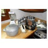 Kitchenware, Blender, Aluminum Kettle, Cake Pans