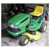 John Deere LA125 lawn and garden tractor