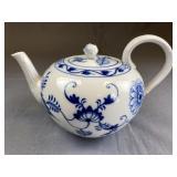 Ernst Teichert Meissen Blue Onion Teapot