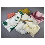 Group of Vintage Table Linens REO