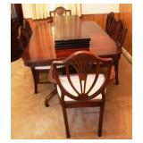 Dining Table w/ 2 leaves & 6 Chairs