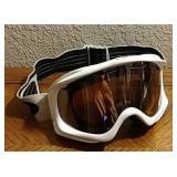White Oakley Ski Snowboard Goggles