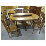 round oak table w/6 chairs