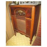 Atwater Kent floor model radio>